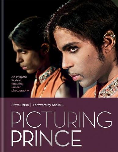 Picturing Prince: An Intimate Portrait (Hardback)