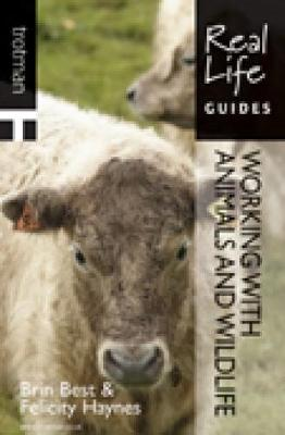 Real Life Guide: Working With Animals and Wildlife - Real Life Guides (Paperback)