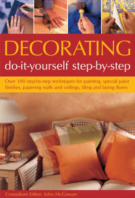 Decorating: Do-it-Yourself Step-by-Step (Paperback)