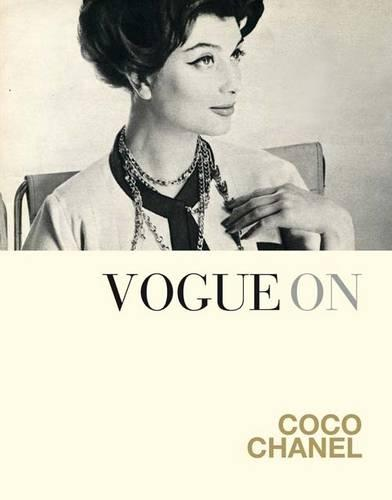 Vogue on: Coco Chanel - Vogue on Designers (Hardback)