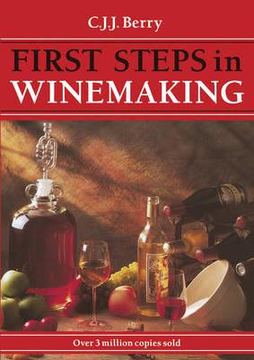1st Steps in Winemaking (Paperback)