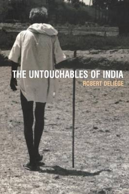 The Untouchables of India - Global Issues v. 10 (Paperback)
