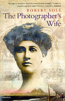 Photographer's Wife (Paperback)