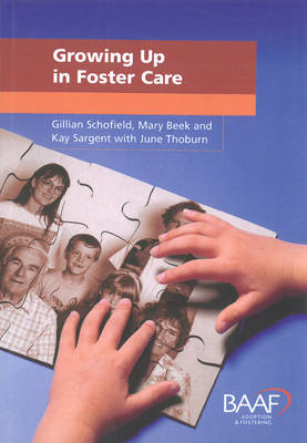 Growing Up in Foster Care (Paperback)