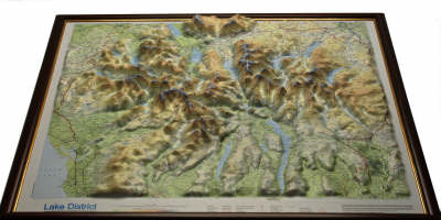 Lake District Raised Relief Map: Light Wood Frame - Raised Relief Maps Series (Sheet map)