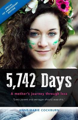 5,742 days: A mother's journey through loss (Paperback)