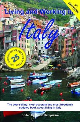 Living and Working in Italy: A Survival Handbook (Paperback)