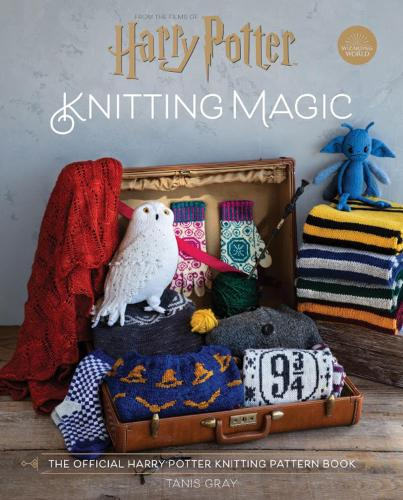 Harry Potter Knitting Magic: The official Harry Potter knitting pattern book (Hardback)