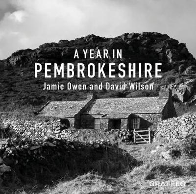 A Year In Pembrokeshire (Hardback)