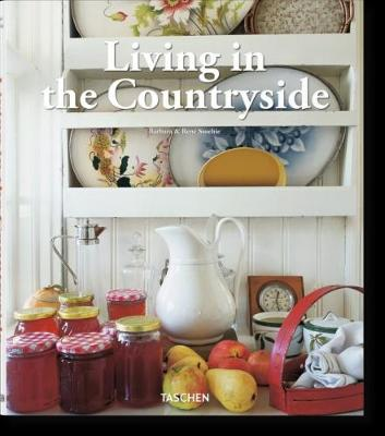 Living in the Countryside (Hardback)