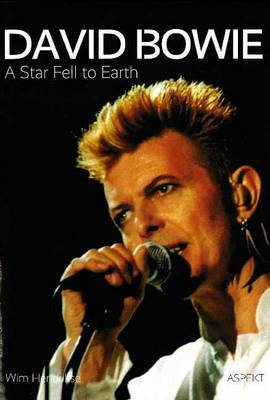 David Bowie: A Star Fell to Earth (Paperback)