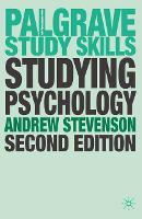 Studying Psychology - Macmillan Study Skills (Paperback)