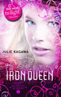 The Iron Queen - The Iron Fey Book 3 (Paperback)