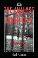 The Analyst in the Inner City: Race, Class, and Culture Through a Psychoanalytic Lens - Relational Perspectives Book Series (Paperback)