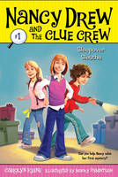 Sleepover Sleuths - Nancy Drew and the Clue Crew 1 (Paperback)