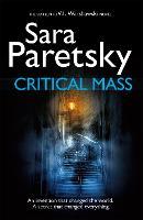 Critical Mass: V.I. Warshawski 16 (Paperback)