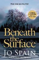 Beneath the Surface: (An Inspector Tom Reynolds Mystery Book 2) - An Inspector Tom Reynolds Mystery (Paperback)