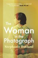 The Woman in the Photograph (Paperback)