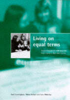 Living on equal terms: Supporting people with aquired brain injury in their own homes (Paperback)