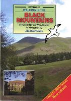 Walking in the Black Mountains Between Hay-on-Wye, Brecon and Abergavenny (Paperback)