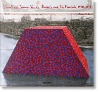 Christo and Jeanne-Claude. Barrels and The Mastaba 1958-2018 (Hardback)