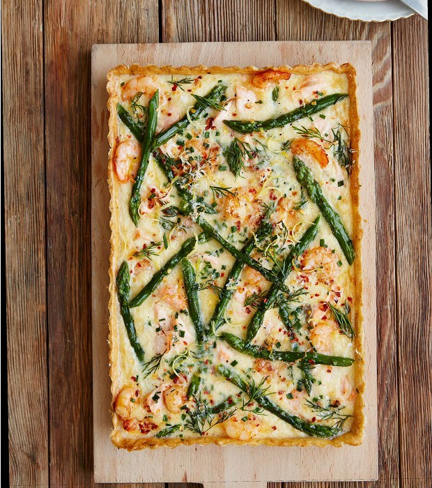 Salmon, prawn and asparagus tart