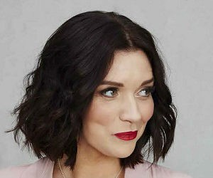 Crumbs of Comfort: Delicious Recipes from Bake Off Winner Candice Brown