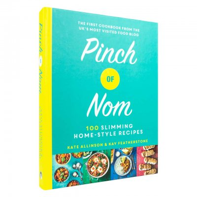 Pinch of Nom: 100 Slimming, Home-style Recipes (Hardback)