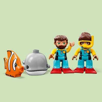 LEGO (R) Submarine Adventure: 10910