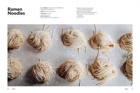 Dumplings and Noodles: Bao, Gyoza, Biang Biang, Ramen - and Everything in Between (Hardback)
