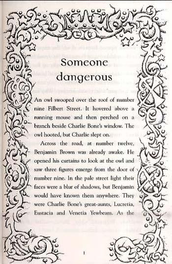 Charlie Bone and the Blue Boa - Charlie Bone 3 (Paperback)