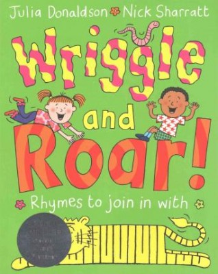 Wriggle and Roar!: Book and CD Pack
