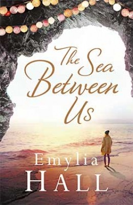 The Sea Between Us (Paperback)