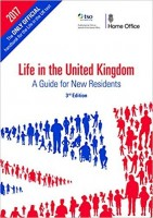 Life in the United Kingdom: a guide for new residents (Paperback)